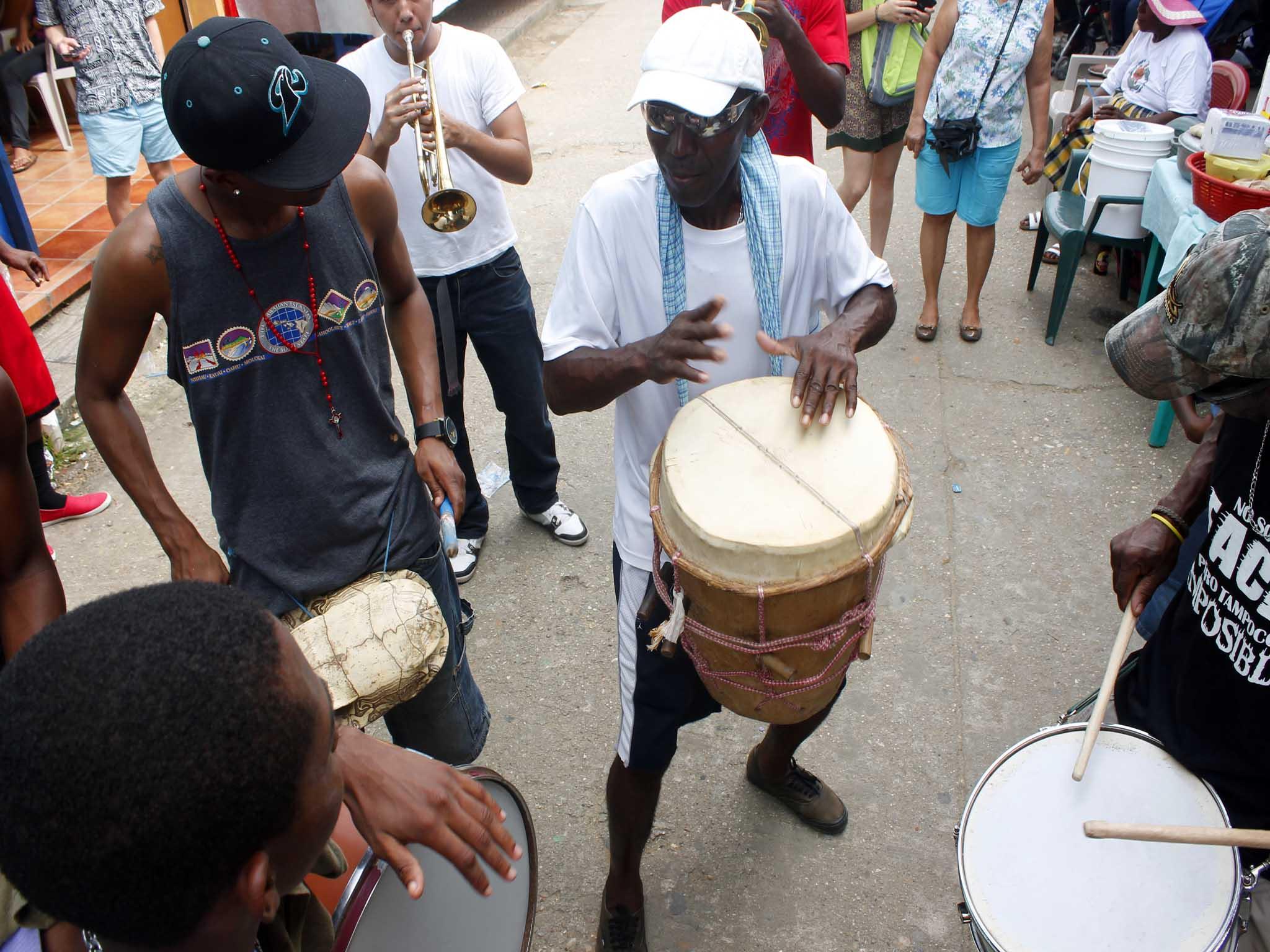 La música caribeña acompaña todos los bailes y celebraciones relacionadas con el Pororó. Foto: Jorge Rodríguez/Viatori