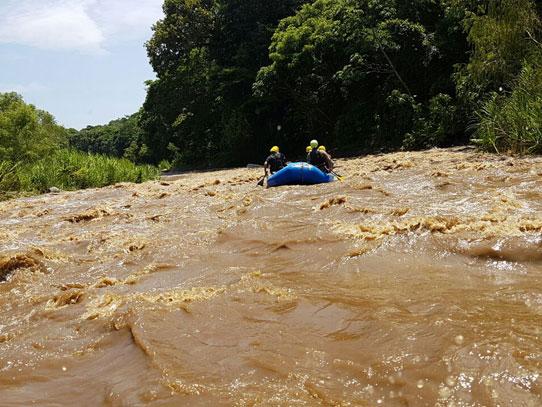El río Coyolate está catalogado como categoría 3 para la práctica del rafting. Foto: Manuel García/Viatori