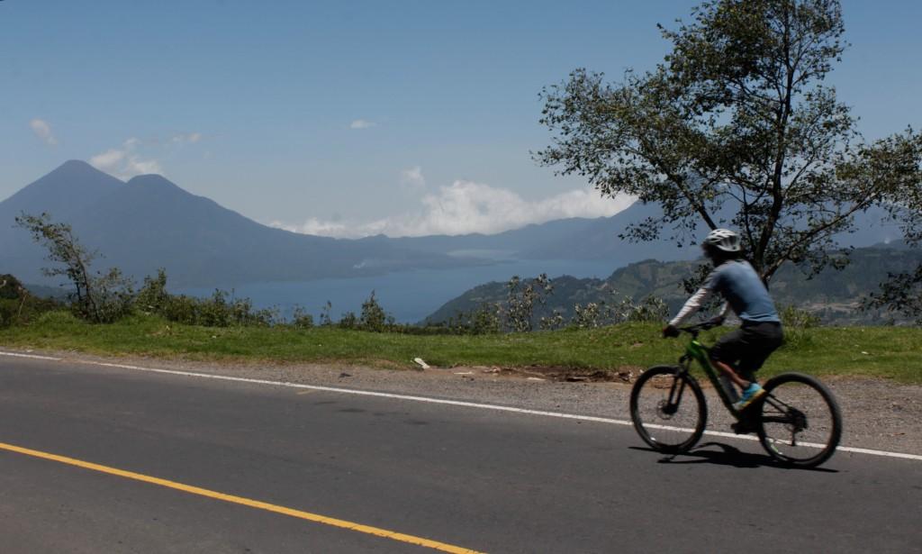 Esta ruta te permite una vista espectacular del Lago de Atitlán. Foto: Jorge Rodríguez/Viatori
