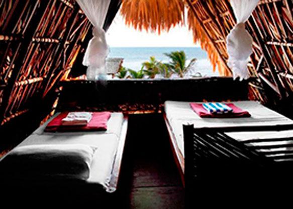 Los bungalows con vista al mar son una buena manera de conectarte con el océano. Foto: Paredon Surf House