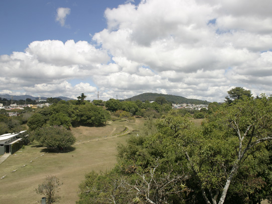 Vista actual del centro de Kaminaljuyu. Foto: Jorge Rodríguez/Viatori
