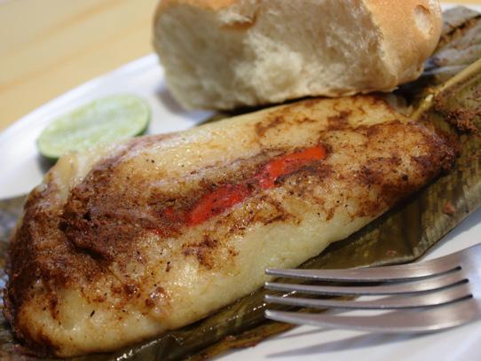 Hecho a base de masa de maíz, salsa de tomate y especies y carne de pollo o cerdo, es una de las comidas tradicionales de Guatemala. Foto: Jorge Rodríguez/Viatori