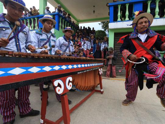 Previo a la carrera, se realiza una fiesta en honor a todos los participantes. Foto: Adrián Ramos/Inguat